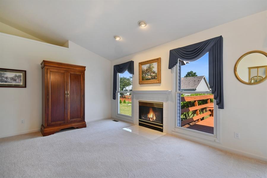 Real Estate Photography - 444 Banbury Avenue, Elburn, IL, 60119 - Family Room