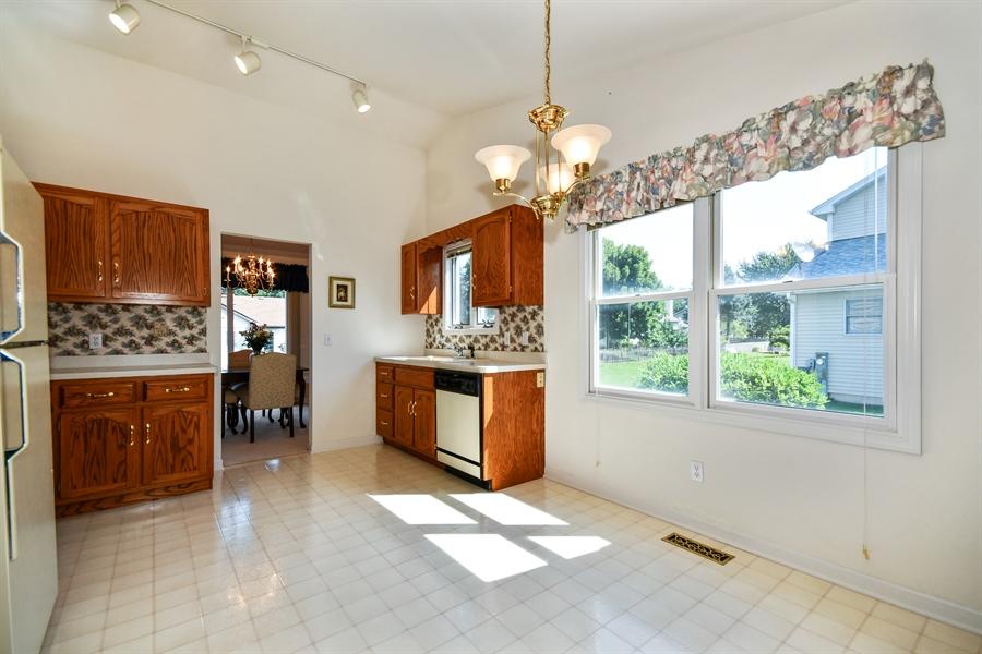 Real Estate Photography - 444 Banbury Avenue, Elburn, IL, 60119 - Breakfast Nook