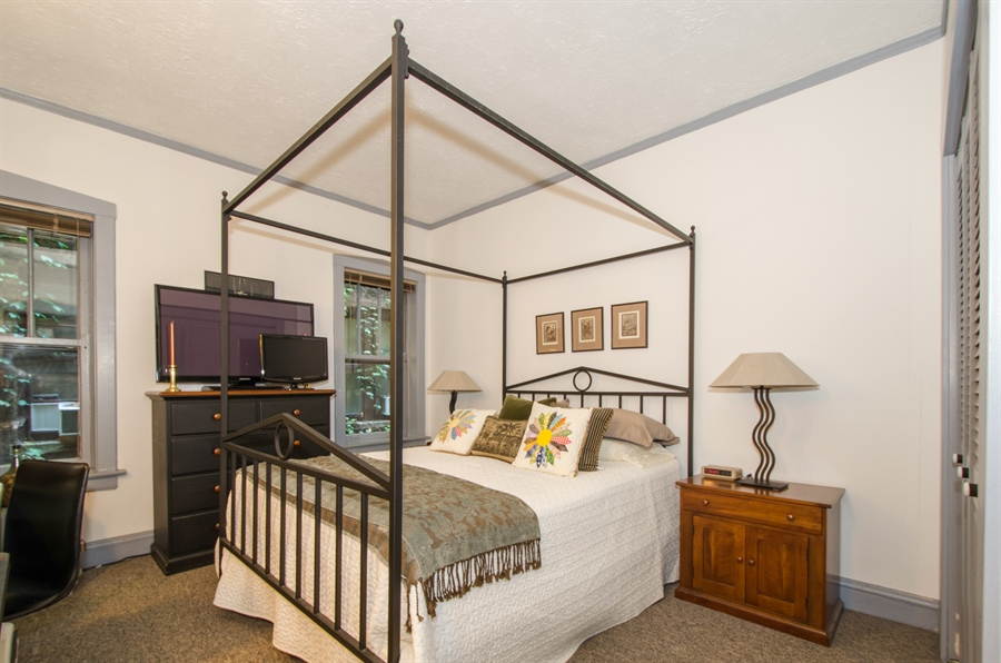 Real Estate Photography - 1436 W. PRATT Boulevard, Unit 1W, Chicago, IL, 60626 - 2nd Bedroom