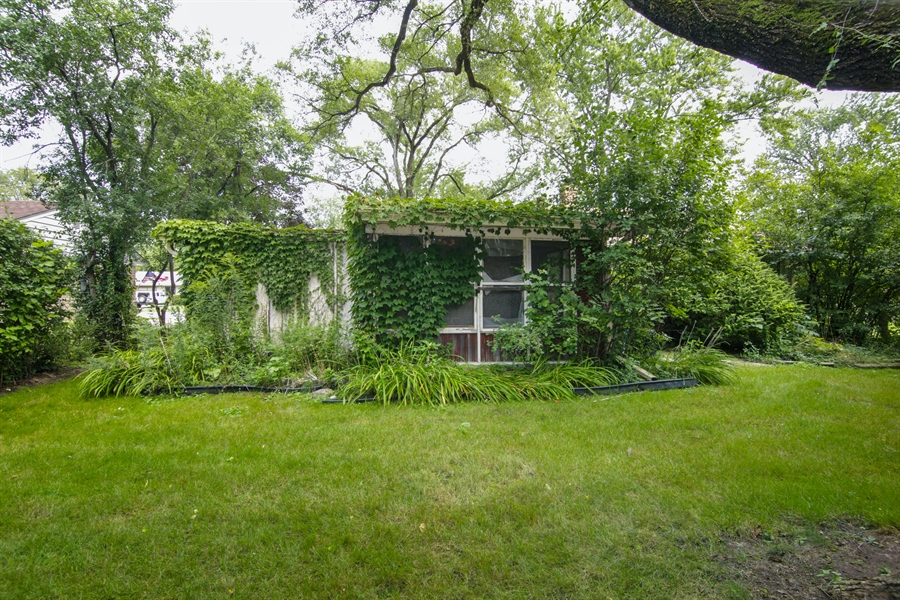 Real Estate Photography - 1042 Whitfield Road, Northbrook, IL, 60062 - Rear View
