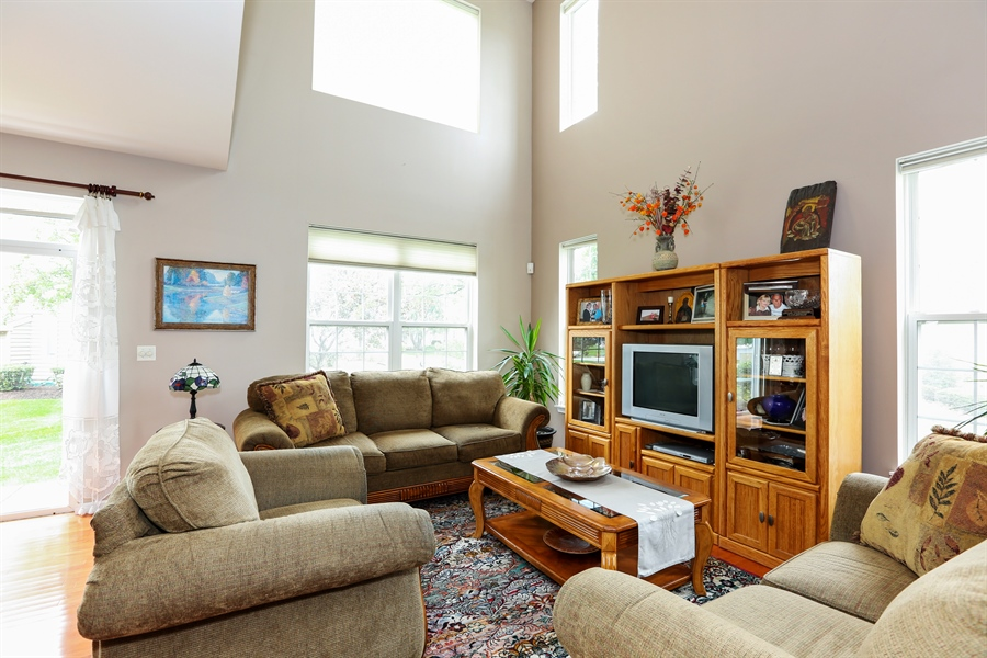 Real Estate Photography - 2972 WHITE THORN Circle, Naperville, IL, 60564 - Living Room