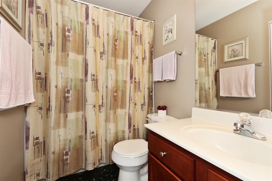 Real Estate Photography - 2972 WHITE THORN Circle, Naperville, IL, 60564 - Bathroom