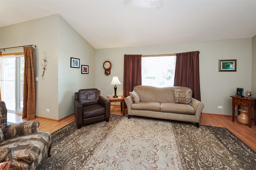 Real Estate Photography - 809 ROSE Lane, Harvard, IL, 60033 - Living Room
