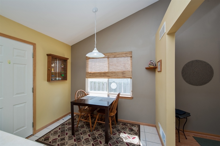Real Estate Photography - 809 ROSE Lane, Harvard, IL, 60033 - Breakfast Area