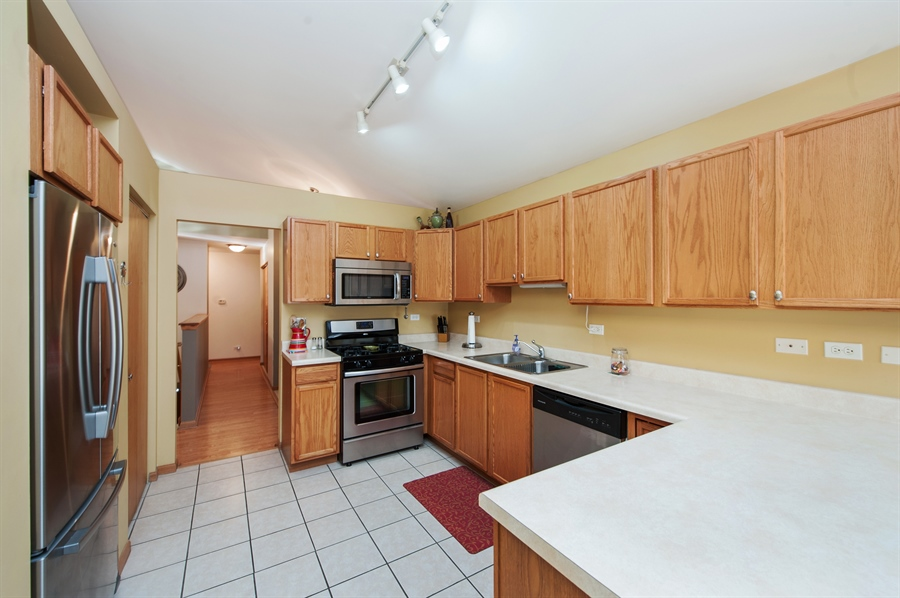 Real Estate Photography - 809 ROSE Lane, Harvard, IL, 60033 - Kitchen