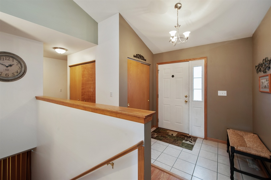 Real Estate Photography - 809 ROSE Lane, Harvard, IL, 60033 - Entryway