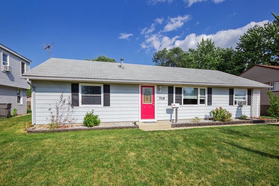 Real Estate Photography - 719 Rogers Road, Romeoville, IL, 60446 - Front View
