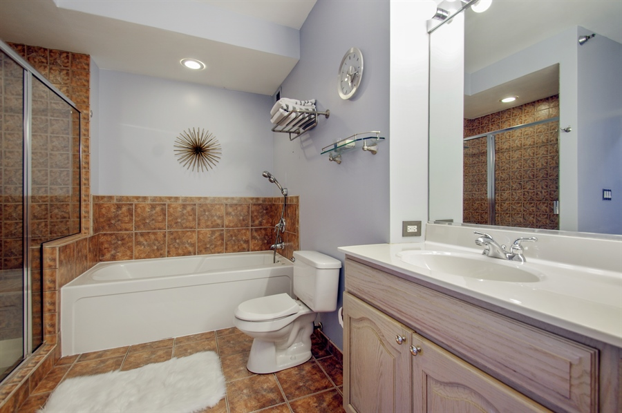 Real Estate Photography - 421 W. Huron Street, Unit 1001, Chicago, IL, 60654 - Master Bathroom
