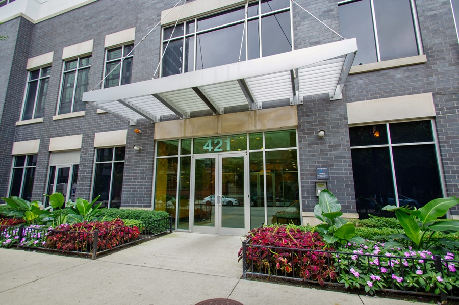 Real Estate Photography - 421 W. Huron Street, Unit 1001, Chicago, IL, 60654 - Entrance
