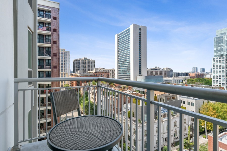 Real Estate Photography - 421 W. Huron Street, Unit 1001, Chicago, IL, 60654 - Balcony