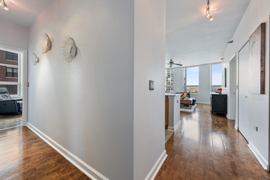 Real Estate Photography - 421 W. Huron Street, Unit 1001, Chicago, IL, 60654 - Entryway