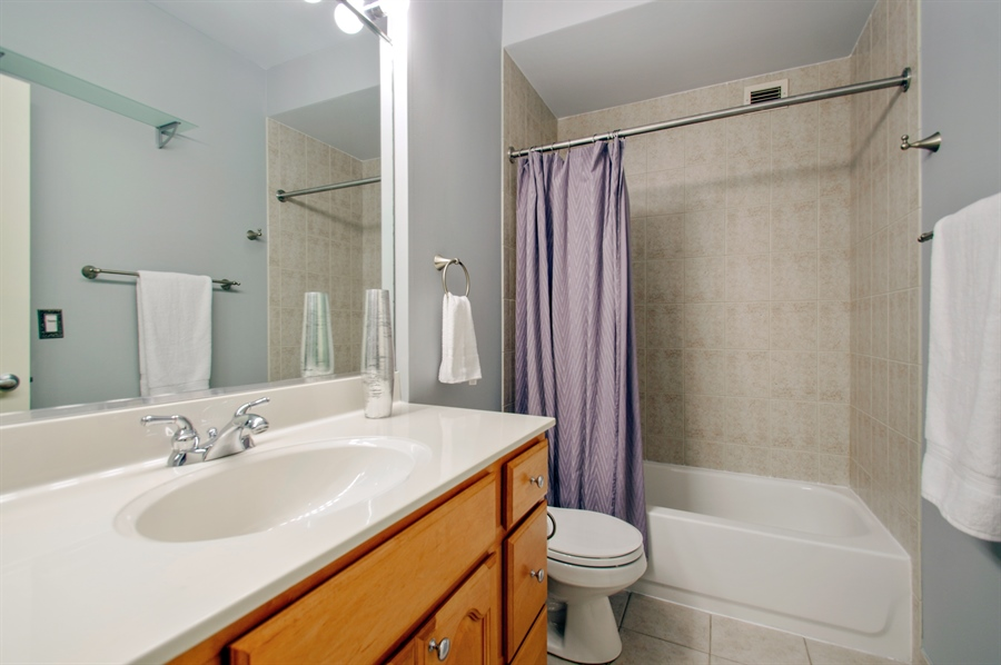 Real Estate Photography - 421 W. Huron Street, Unit 1001, Chicago, IL, 60654 - 2nd Bathroom