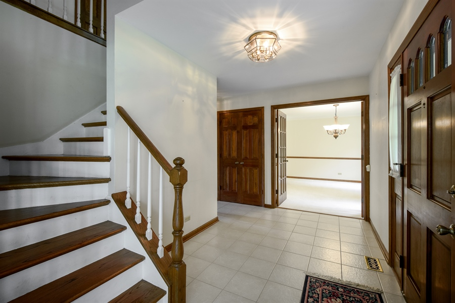 Real Estate Photography - 4721 WOODLAND Court, Rolling Meadows, IL, 60008 - Foyer
