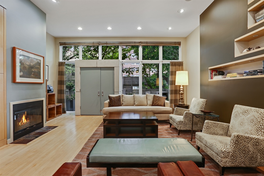 Real Estate Photography - 2757 N. Kenmore Avenue, Chicago, IL, 60614 - Living Room