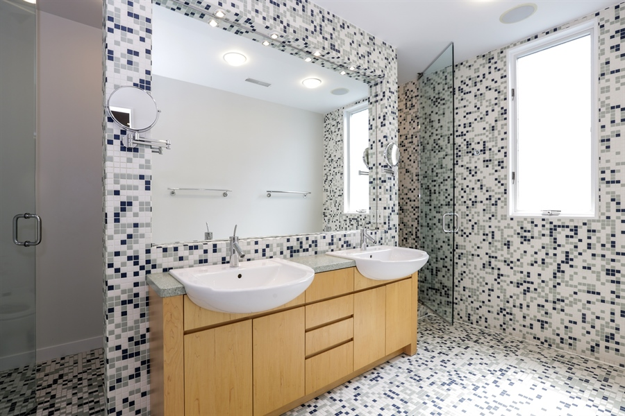 Real Estate Photography - 2757 N. Kenmore Avenue, Chicago, IL, 60614 - Master Bathroom