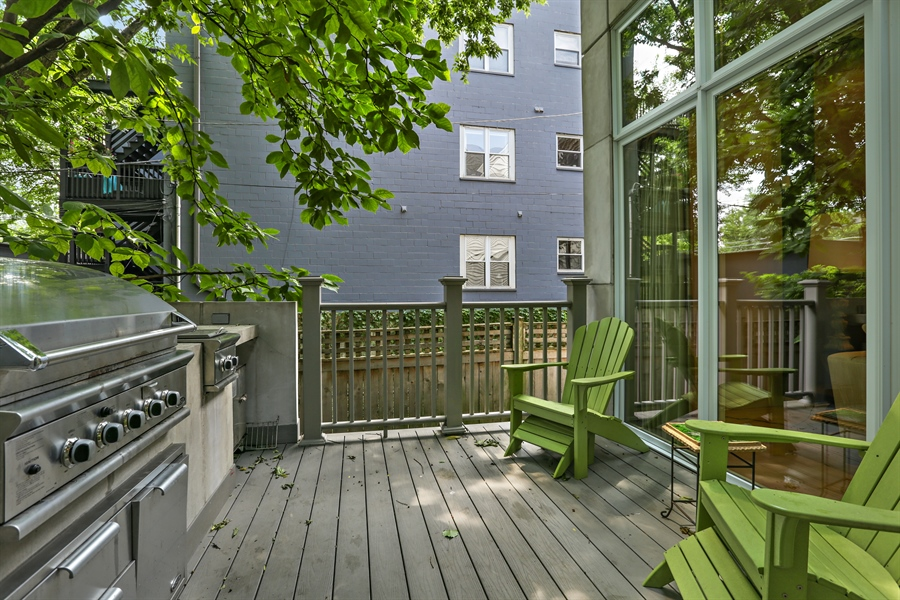 Real Estate Photography - 2757 N. Kenmore Avenue, Chicago, IL, 60614 - Deck