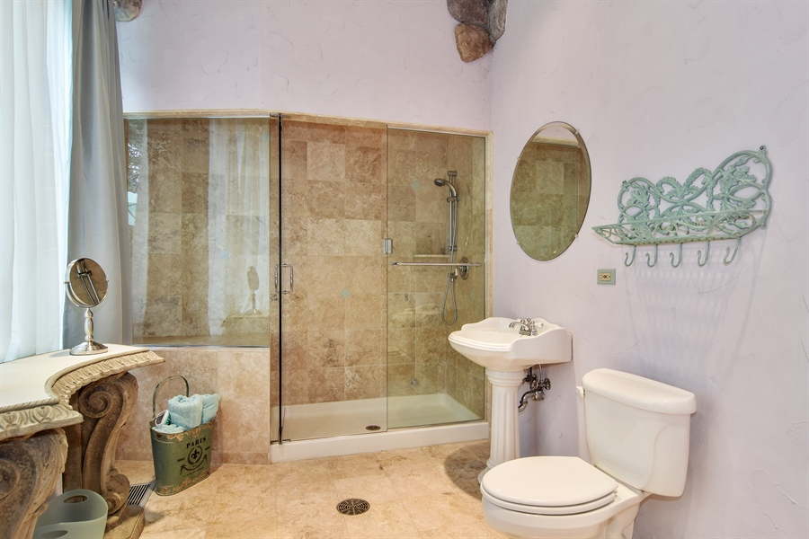 Real Estate Photography - 427 Lauder Ln, Inverness, IL, 60067 - Pool Bath with Steamer Shower