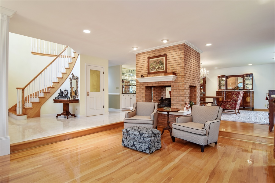 Real Estate Photography - 427 Lauder Ln, Inverness, IL, 60067 - Living Room