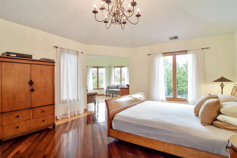 Real Estate Photography - 427 Lauder Ln, Inverness, IL, 60067 - Master Bedroom