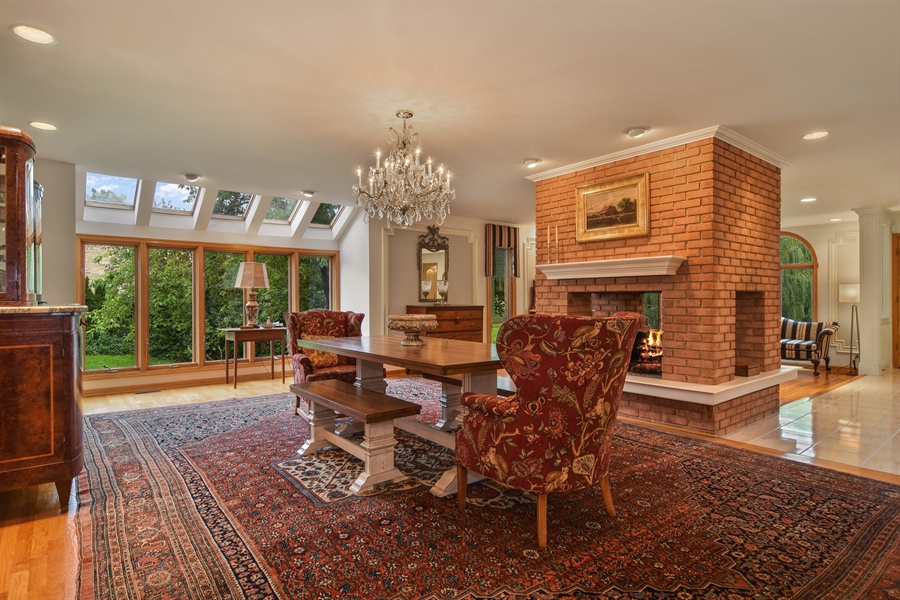 Real Estate Photography - 427 Lauder Ln, Inverness, IL, 60067 - Casual Entertaining Area