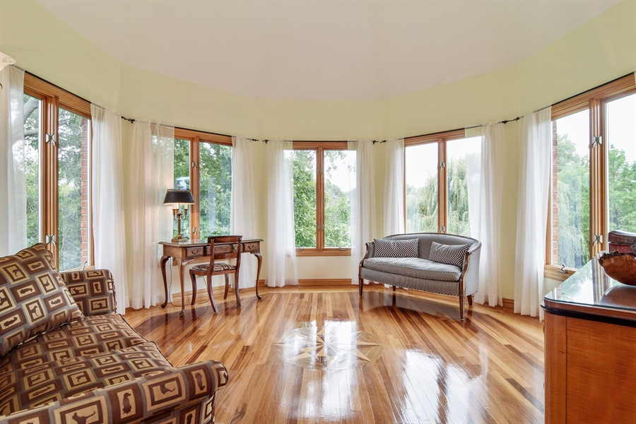 Real Estate Photography - 427 Lauder Ln, Inverness, IL, 60067 - Master Bedroom Sitting Room