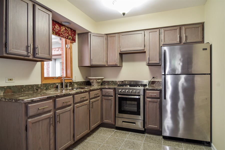 Real Estate Photography - 427 Lauder Ln, Inverness, IL, 60067 - In Law Kitchen