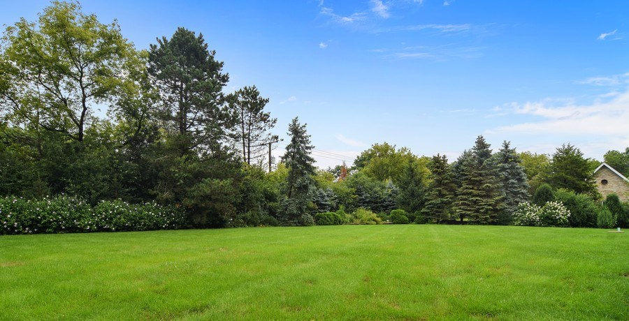 Real Estate Photography - 427 Lauder Ln, Inverness, IL, 60067 - Back Yard