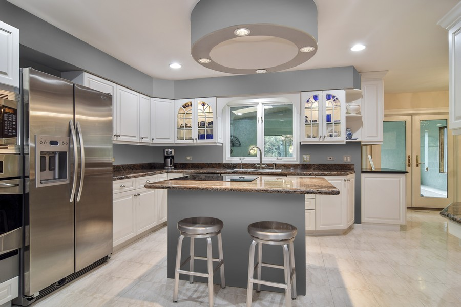 Real Estate Photography - 427 Lauder Ln, Inverness, IL, 60067 - Kitchen