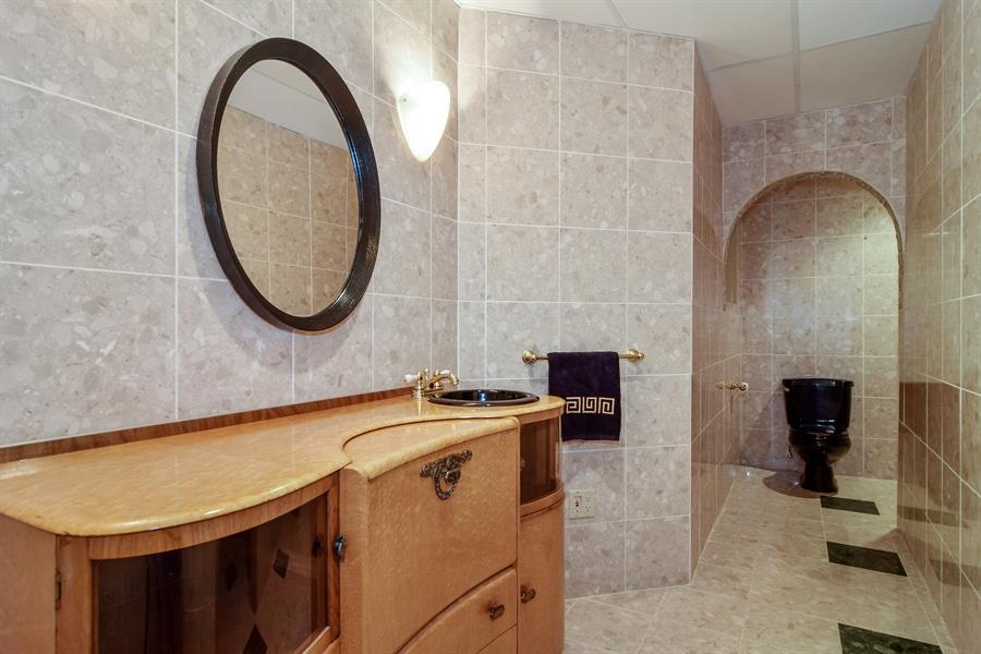 Real Estate Photography - 427 Lauder Ln, Inverness, IL, 60067 - Half Bath