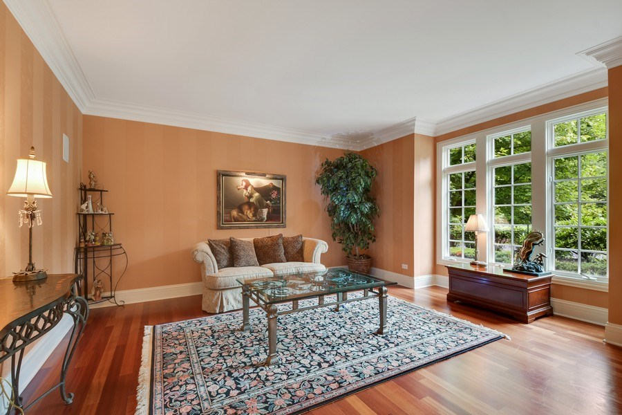 Real Estate Photography - 20961 W. Lakeview Parkway, Mundelein, IL, 60060 - Living Room