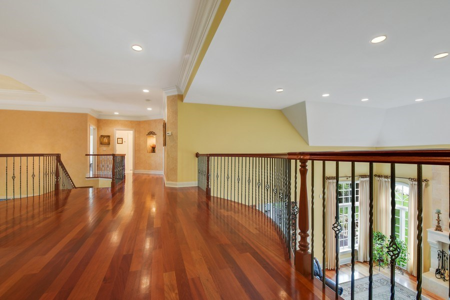 Real Estate Photography - 20961 W. Lakeview Parkway, Mundelein, IL, 60060 - Loft