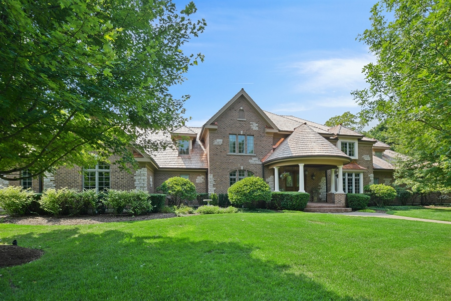 Real Estate Photography - 20961 W. Lakeview Parkway, Mundelein, IL, 60060 - Front View
