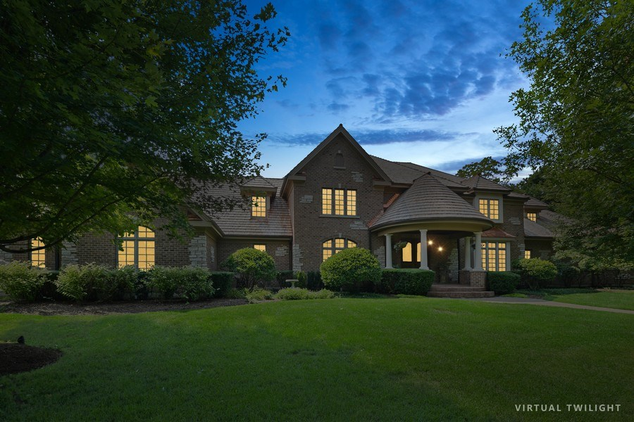 Real Estate Photography - 20977 W. Lakeview Parkway, Mundelein, IL, 60060 - Front View