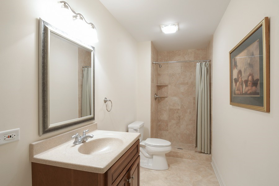 Real Estate Photography - 20961 W. Lakeview Parkway, Mundelein, IL, 60060 - Bathroom