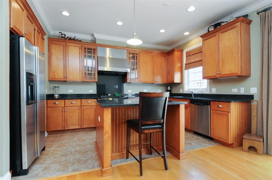 Real Estate Photography - 1909 Alta Vista Court, Naperville, IL, 60563 - Kitchen