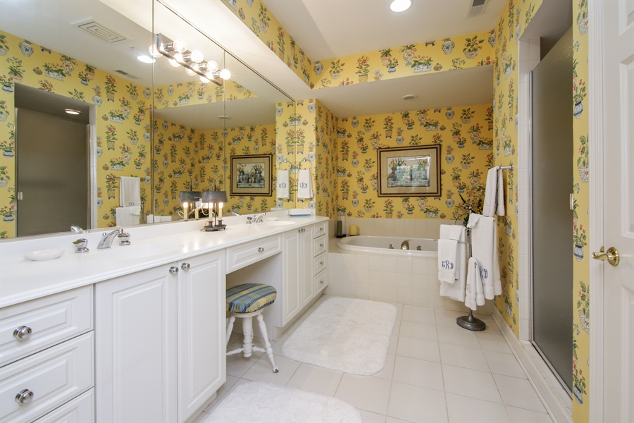 Real Estate Photography - 1875 Old Willow Road, Unit 113, Northfield, IL, 60093 - Master Bathroom