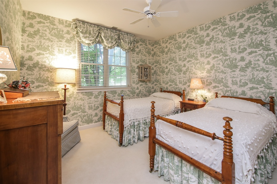 Real Estate Photography - 1875 Old Willow Road, Unit 113, Northfield, IL, 60093 - 2nd Bedroom