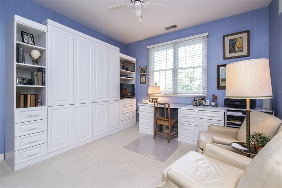 Real Estate Photography - 1875 Old Willow Road, Unit 113, Northfield, IL, 60093 - Bedroom