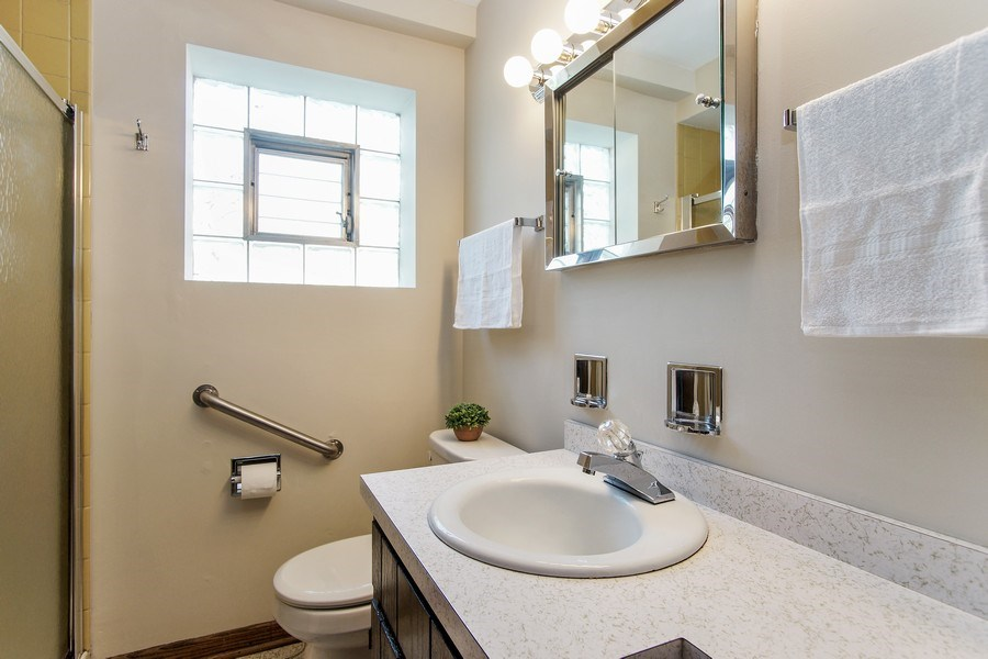 Real Estate Photography - 1625 Greenleaf Avenue, Des Plaines, IL, 60018 - Bathroom 2