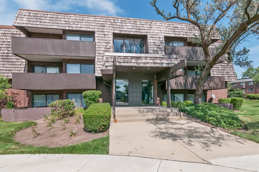 Real Estate Photography - 513 Timber Ridge Drive, Unit 106, Carol Stream, IL, 60188 - Front View