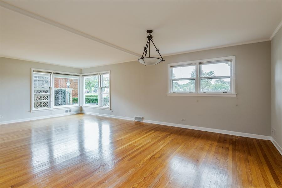 Real Estate Photography - 4618 W. Devon Avenue, Lincolnwood, IL, 60712 - Dining Area