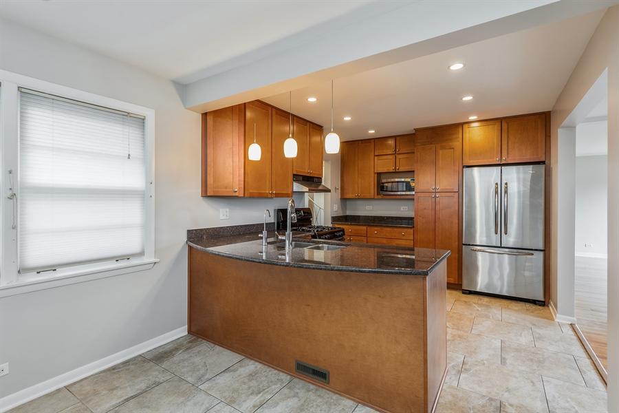 Real Estate Photography - 4618 W. Devon Avenue, Lincolnwood, IL, 60712 - Kitchen