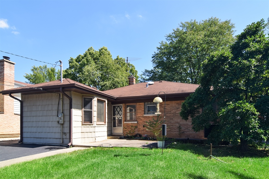 Real Estate Photography - 4088 Garden Avenue, Western Springs, IL, 60558 - Rear View