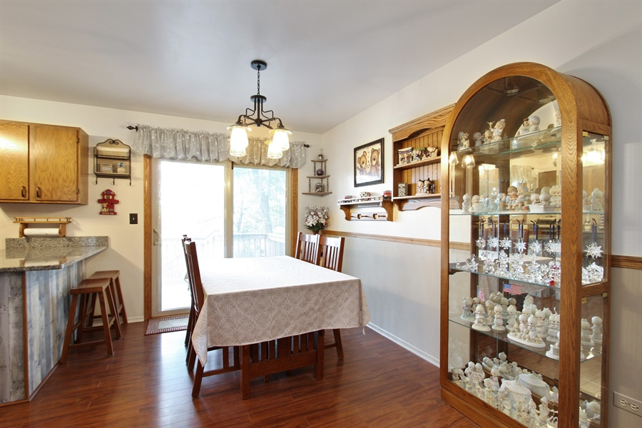 Real Estate Photography - 220 Briar Lane, Lindenhurst, IL, 60046 - LOVELY DINING ROOM W/NEW LIGHTING!