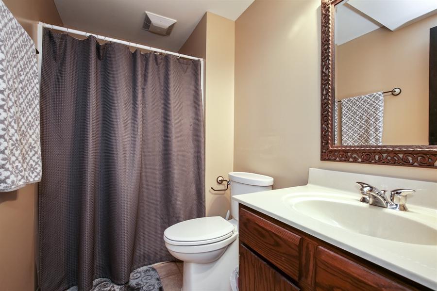 Real Estate Photography - 732 Hillside Court, Algonquin, IL, 60102 - 2nd Bathroom