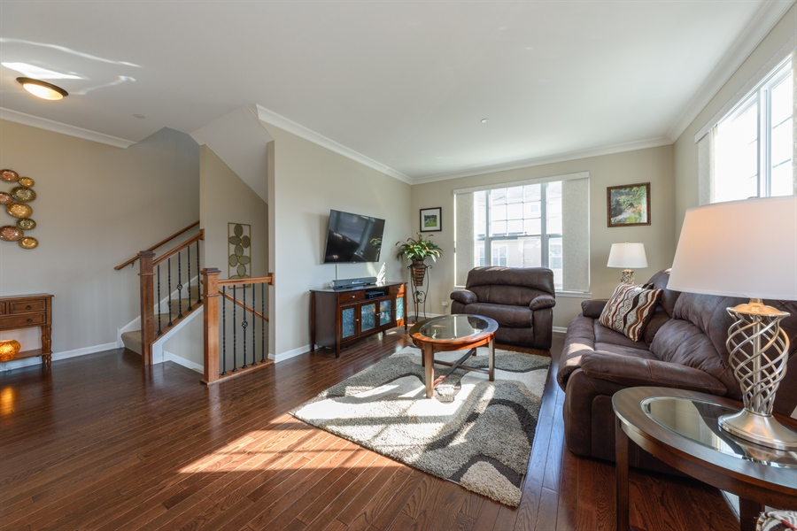 Real Estate Photography - 409 Lexington Lane, Rolling Meadows, IL, 60008 - Living Room