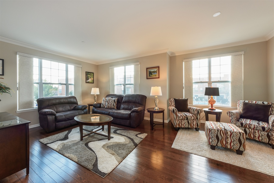 Real Estate Photography - 409 Lexington Lane, Rolling Meadows, IL, 60008 - Great Room