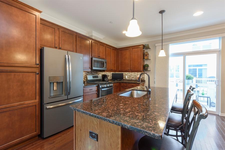 Real Estate Photography - 409 Lexington Lane, Rolling Meadows, IL, 60008 - Kitchen