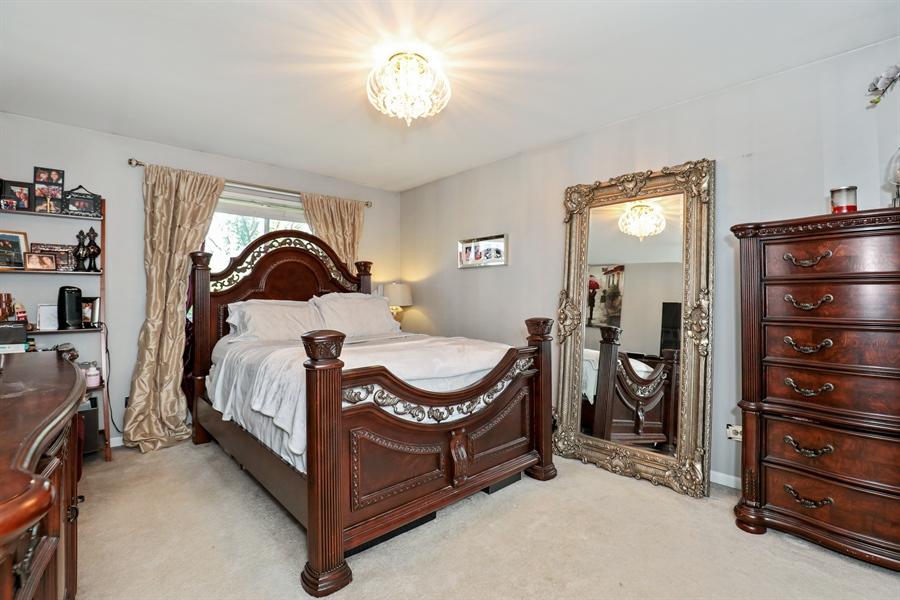Real Estate Photography - 2106 W. Adobe Drive, Unit 2106, Addison, IL, 60101 - Master Bedroom