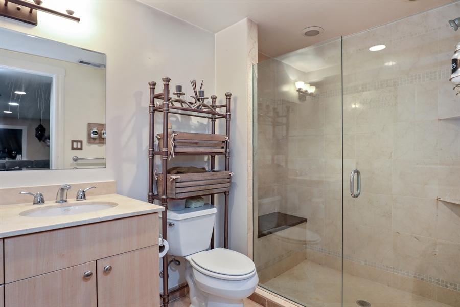 Real Estate Photography - 2106 W. Adobe Drive, Unit 2106, Addison, IL, 60101 - Bathroom